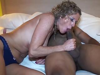 Невероятные измены жен в домашней обстановке в порно подборке
