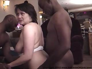Женушка на домашней порнухе
