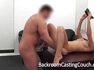 Ухоженная девушка идет на поводу у порно агента и смачно трахается