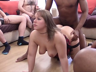 Порноролик со шлюхой