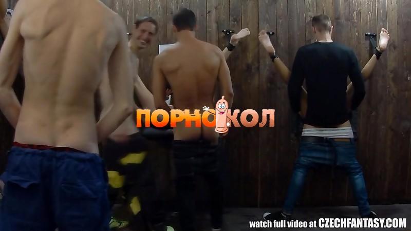 russkaya-tesha-neobichnaya-orgiya-s-parnyami-domashnee-porno-trahnuli